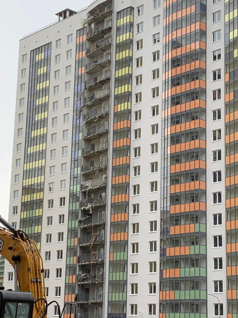 фасад многоэтажного дома-2